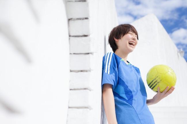 笑うサッカー女子