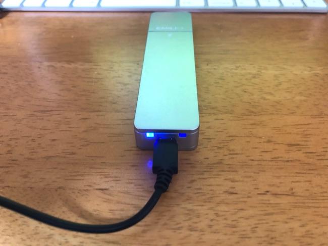 EMILIMINIの充電ケース写真