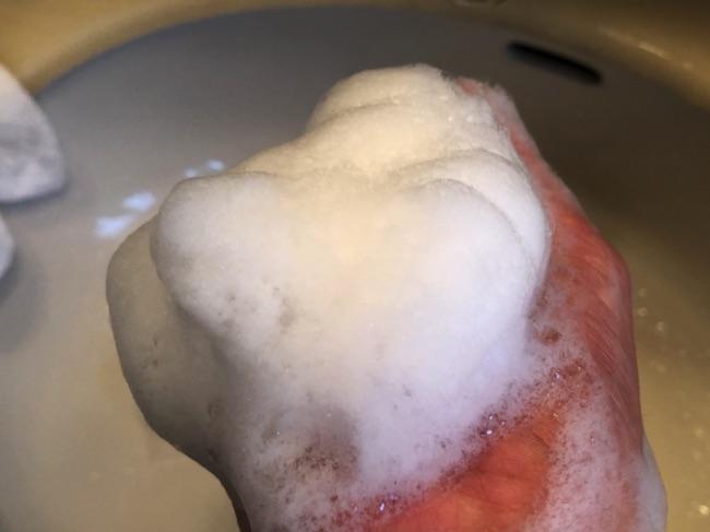 母の滴シルバーウォッシュの泡の写真