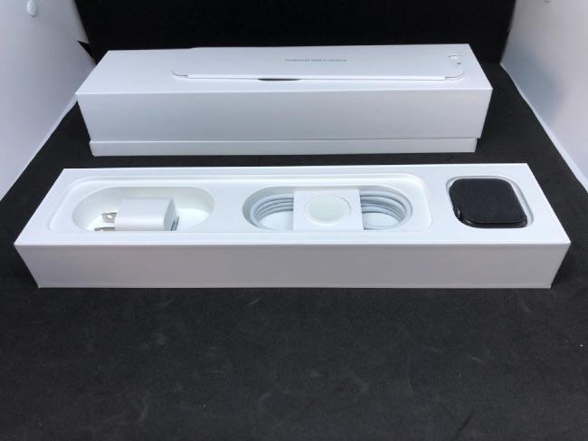 Apple Watch Series4の本体セット内容