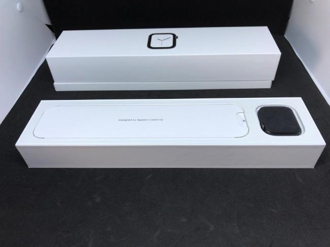 Apple Watch Series4の本体を早速開封