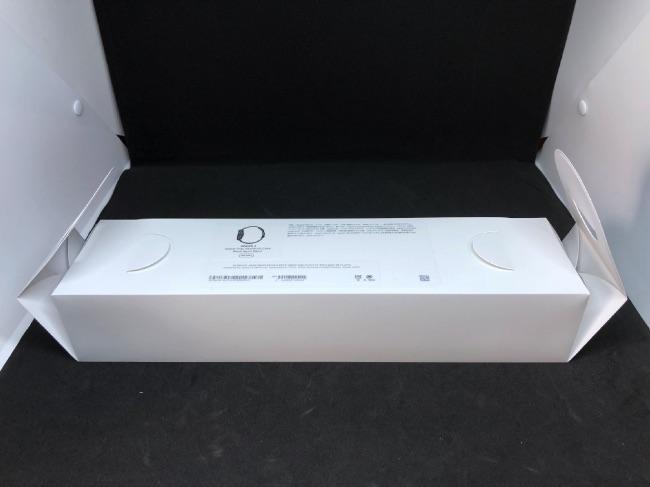 Apple Watch Series4のパッケージを開封
