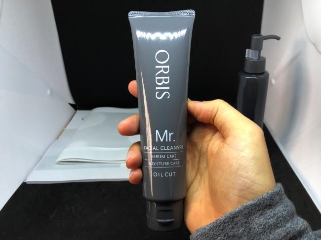 オルビスミスター洗顔を手に持ってみた