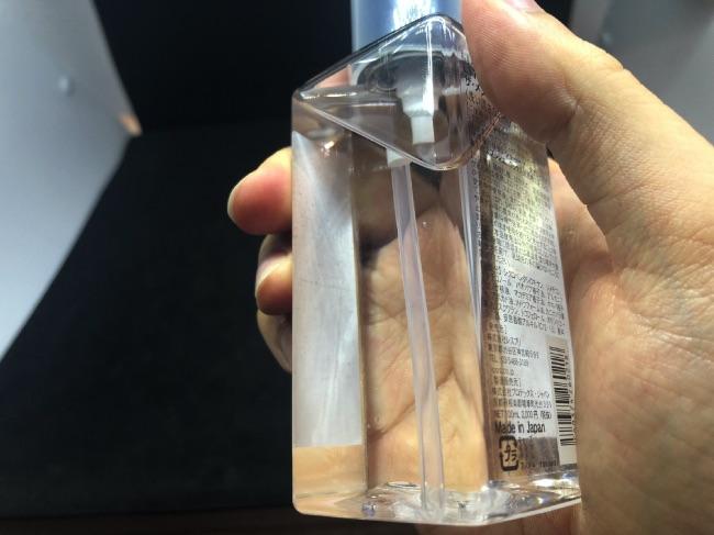 LIPPSヘアオイルのボトル