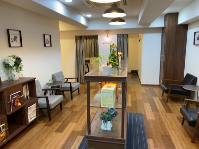 AILE上野店の待合室