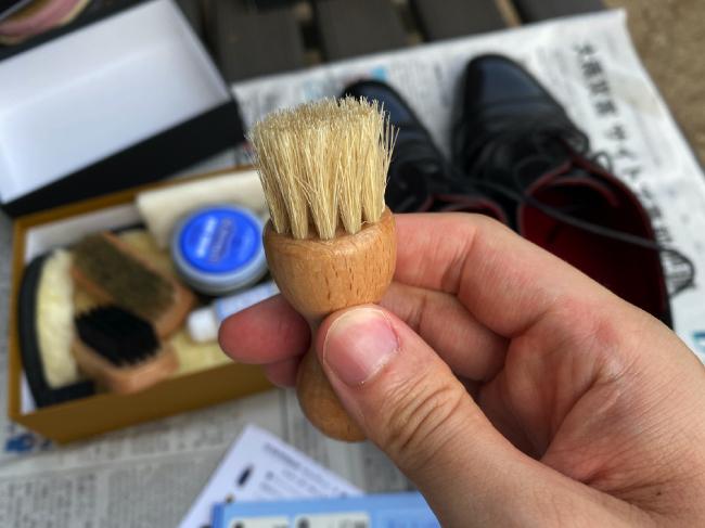 銀座大賀靴工房のペネトレイト(豚毛)ブラシ
